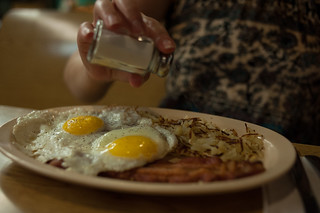 Eggs, Bacon, and Hashbrowns at Jeri's Grill | by goingslowly