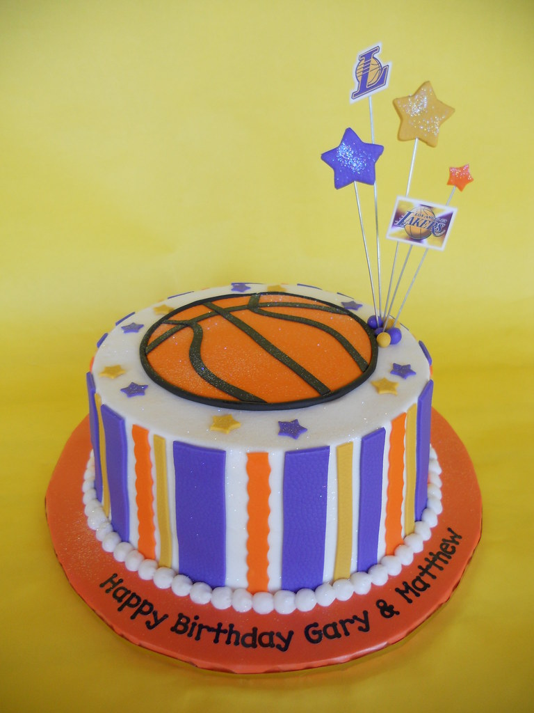Fantastic La Lakers Birthday Cake Amy Stella Flickr Funny Birthday Cards Online Sheoxdamsfinfo