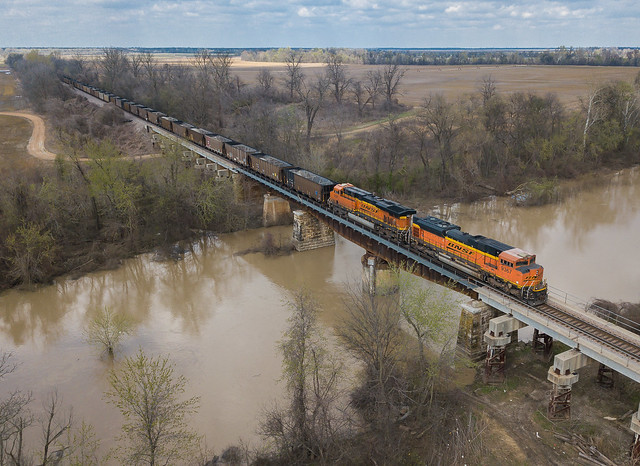 BNSF 9367 (SD70ACe) Train: MHSNRM 027 Marked Tree, Arkansas
