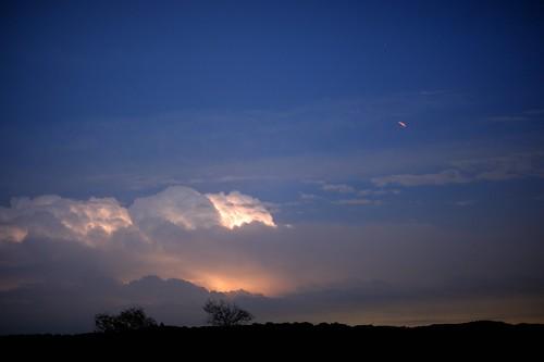 pipecreek texas usa 081 nikon nikond3 nikonafnikkor50mmf14dlens bwfpro52mmkr15skylight11xmcrfilter nikonhn2lenshood slikpro700dxamttripod steppingstoneproductsllc lightningtrigger texashillcontry latigoranch banderacounty ufo lightning clouds cloudsstormssunsetssunrises therebeastormabrewin