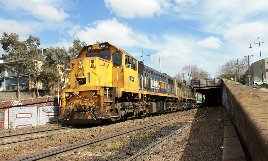 X41 and X39 on a up APEX PN Quarry train by S312 Photography