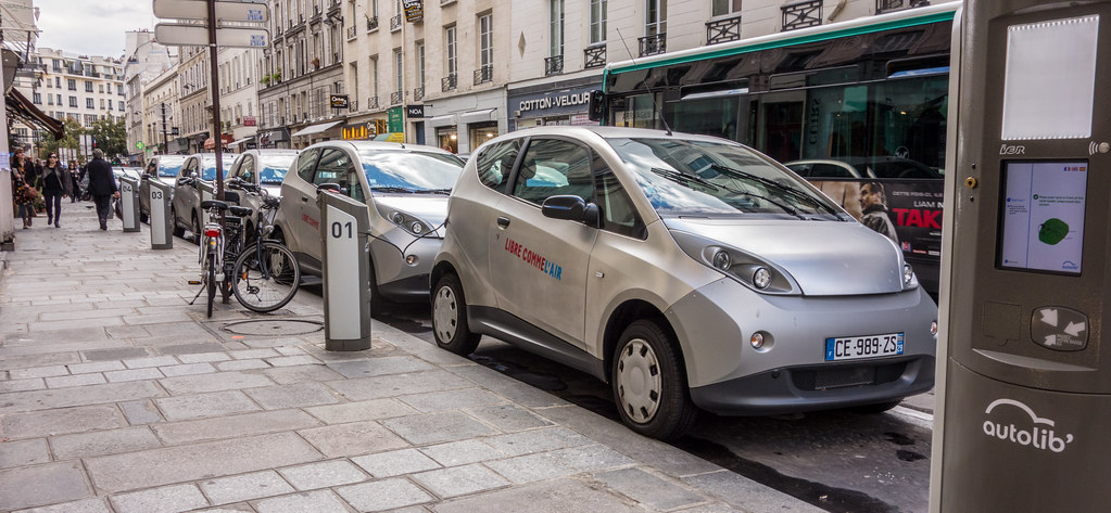 autolib: electric car share Paris France | en.wikipedia.org/… | Flickr