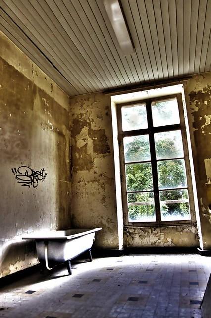 Bathroom Urbex
