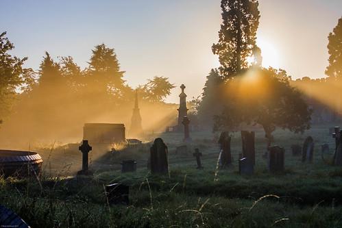 sunlight mist cold church graveyard misty sunrise early tomb obelisk rays sunrays gravestones