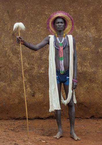 Suri Singer, Kibish, Ethiopia. | by Eric Lafforgue