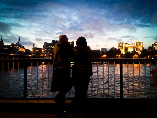 Romantic Thames Evening | by garryknight