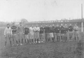 The Hamilton Tigers football team / L'équipe de football des Tigers d'Hamilton
