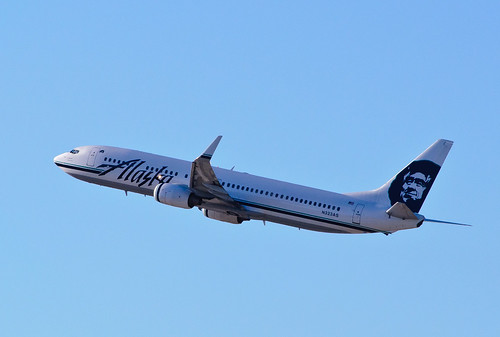 Alaska Airlines - N323AS | by InSapphoWeTrust