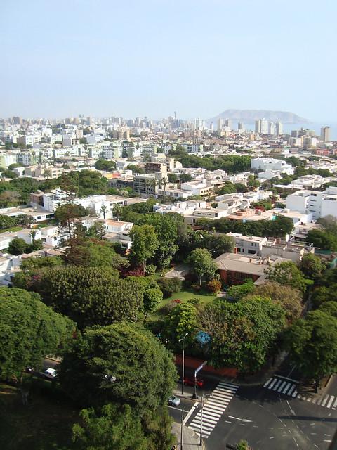 Lima. San Isidro con vista hacia Miraflores