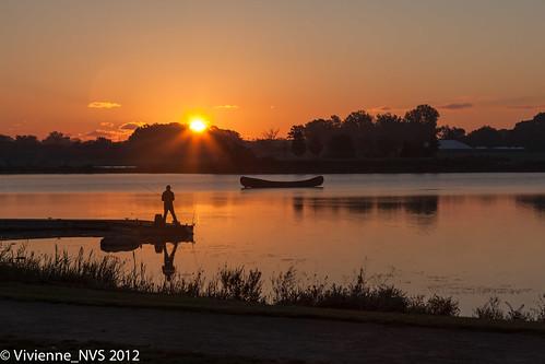 mist lake sunrise illinois fishing fisherman preserves lakecounty independencegrove lcfpd