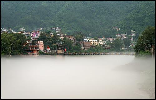bridge india mountains green rain fog river landscape nikon scenery asia view hill scenic hills vegetation lush himalaya mandi himalayas humid himachalpradesh beasriver afs24120mmf4gvr d800e