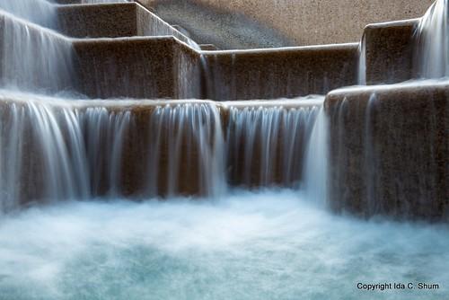 longexposure water fountain sanantonio waterfall nikon texas tourist ida touristattraction riverwalk shum fallingwater d800 waterfalling idashum idacshum