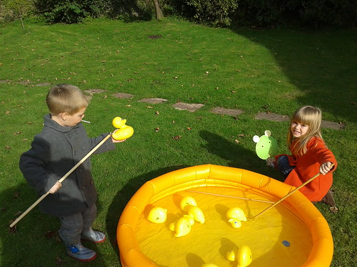 Isabella and Lucas fish for ducks