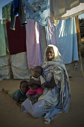 africa children women chad elderly sudaneserefugees farchana ouaddairegion