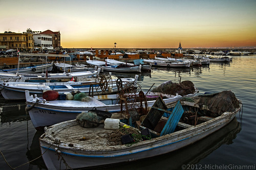 sunset lebanon boat fishing barca tramonto harbour porto libano hdr tyre tiro fishingharbour peschereccio