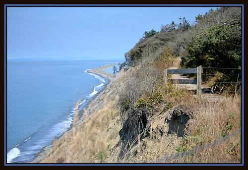 blue camping trees cliff usa seascape mountains beach nature water grass fence islands washington olympicpeninsula sequim 127 trail bluff straitofjuandefuca dungenessspit dungenessrecreationarea