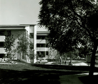 Lawry Court soon after its construction in 1980