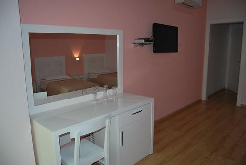Hotel  White City    Berat