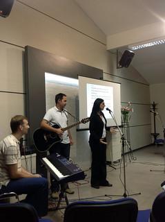 Vesna opening with prayer