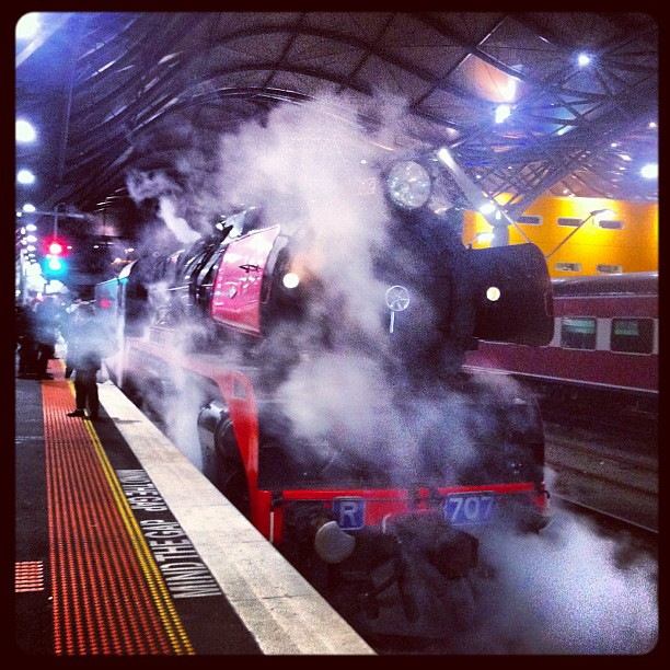 R707 reversing at Southern Cross by LC501