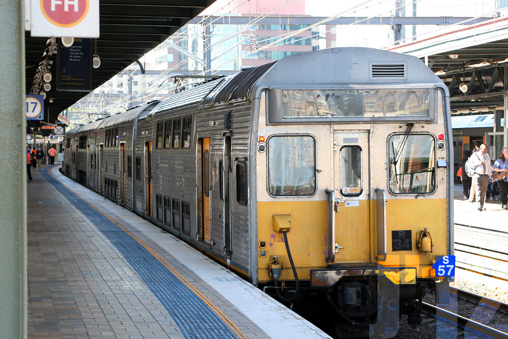 C3011 trails an 8car service out of Central ~21.09.12 by James 460