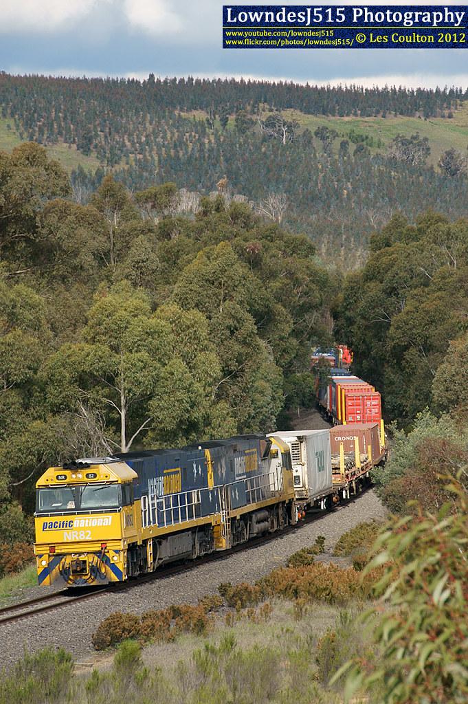 NR82 & NR36 at Kilmore East by LowndesJ515