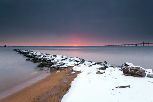 winter snow beach sunrise landscape dawn rocks jetty horizon maryland baybridge disappointed annapolis icy snowscape waterscape sandypoint naptown cheasapeakebay ididmybest toocloudy poorpete singhrayrgnd incorrectforecast