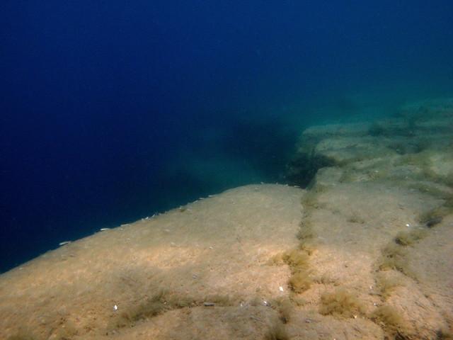 sinkhole in lake huron