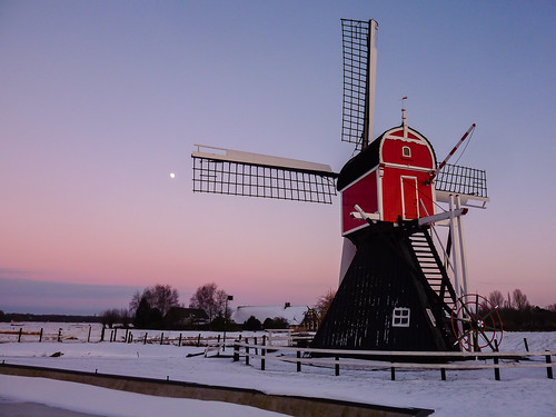 sunset moon snow holland mill ice netherlands windmill night geotagged utrecht dusk nederland thenetherlands polder drainage oudzuilen postmill abigfave poldermolen wipmolen blinkagain hollowpostmill p1510565 geo:lat=5213395890982193 geo:lon=5065850615501404