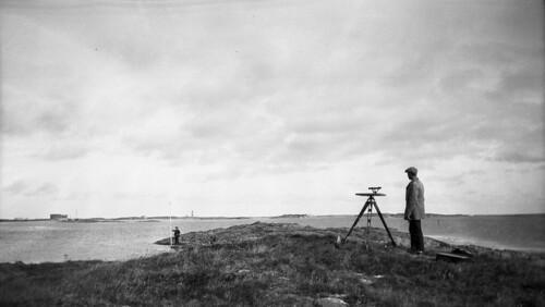 Surveying at Innveien, Veiholmen, 1923. | by Fylkesarkivet i Sogn og Fjordane