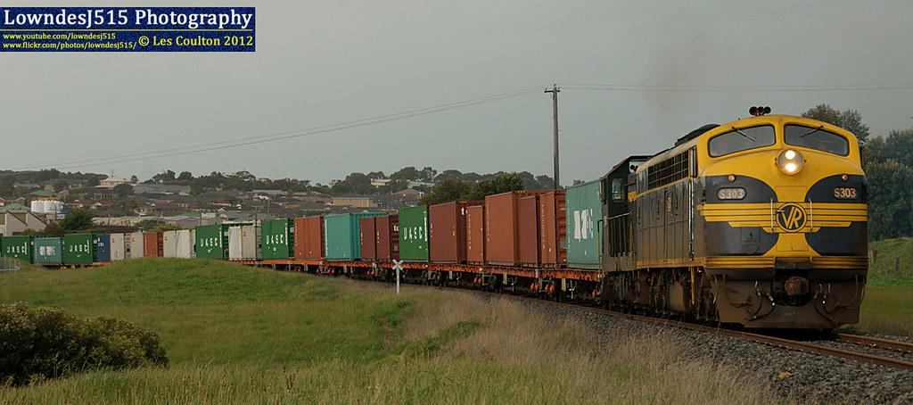 S303 & T357 at Dennington by LowndesJ515