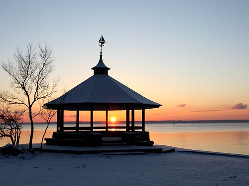 morning winter snow ny newyork sunrise dawn january gazebo snowfall soe longislandsound larchmont manorpark abigfave goldcollection flickraward allxpressus concordians thebestshot paololivornosfriends goldenart saariysqualitypictures