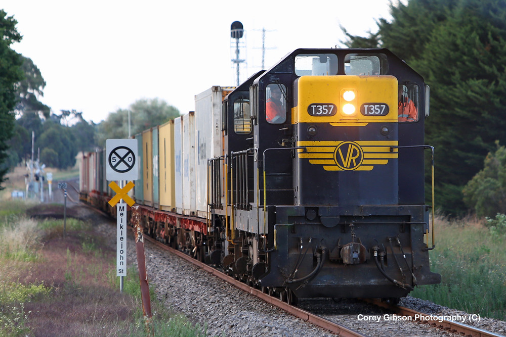 T357 & T378 Warrnambool Freight by Corey Gibson