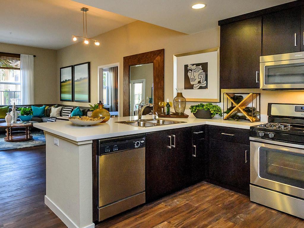 Farallon • Plan F: Kitchen & Great Room