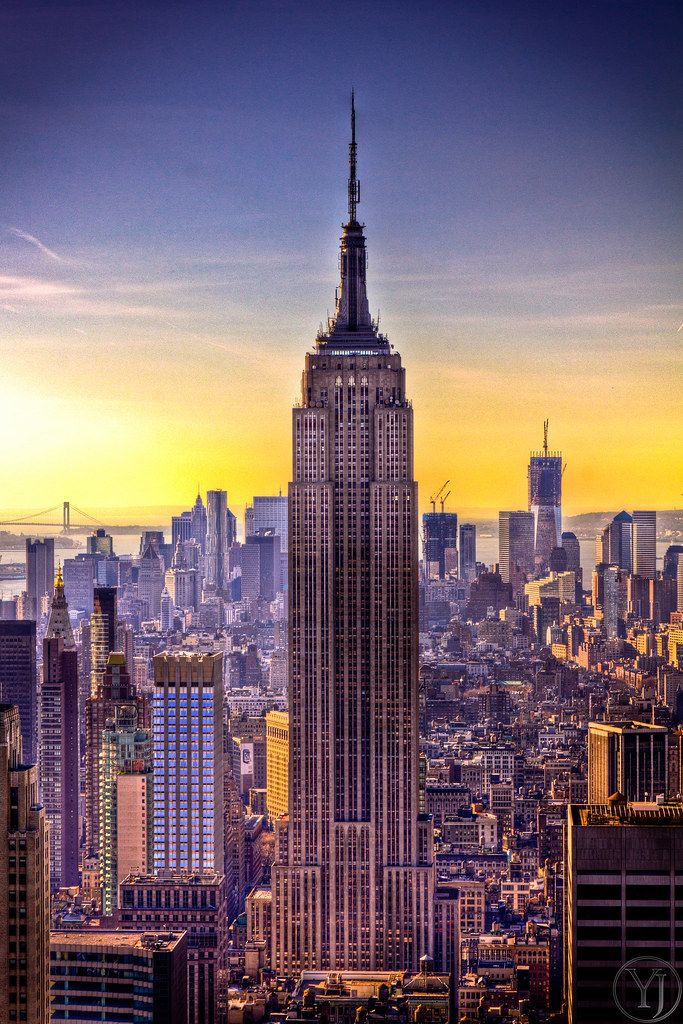 A Sunset View Of The Empire State Building In New York Cit