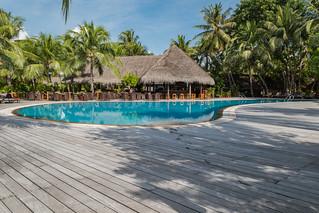 Poolbar Malediven   by dronepicr