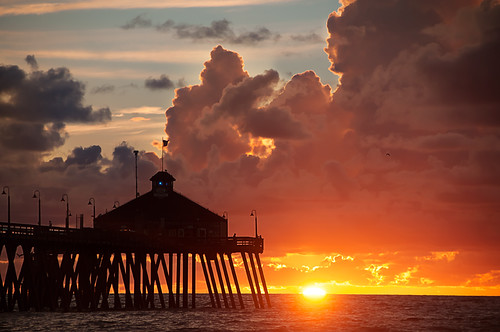 california light sunset sun clouds day sandiego cloudy imperialbeach chasinglight ibpier pixelmama iblovinthispier