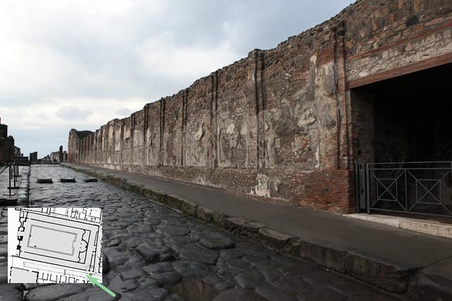 Pompeii: Eumachia Building, south facade