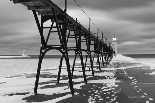 winter blackandwhite bw lighthouse cold ice water landscape outdoors michigan lakemichigan greatlakes pure manistee westmichigan manisteemi canonef24105mmf4lisusm manisteelighthouse canoneos7d