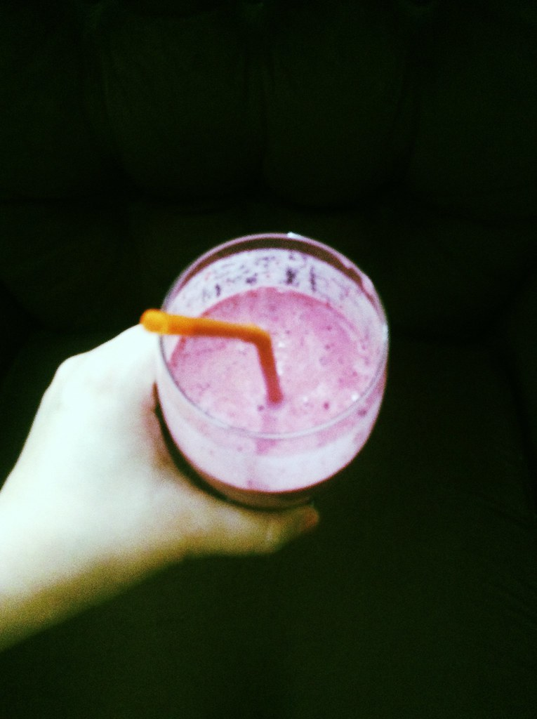 Berries and Banana Smoothie