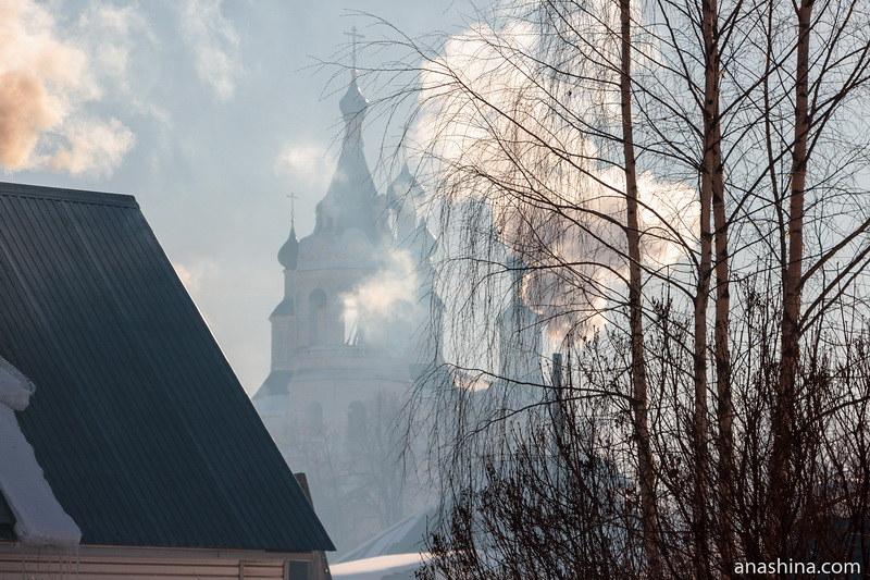Собор Рождества Пресвятой Богородицы в Солигаличе морозным утром