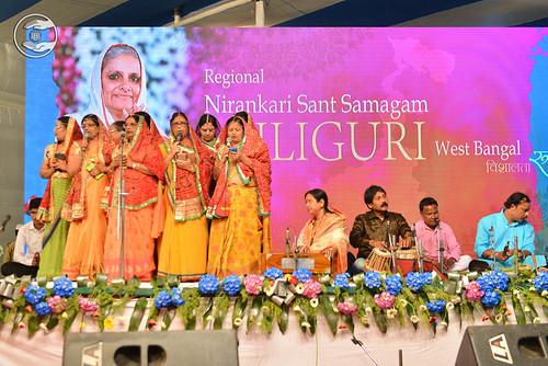 Aadivasi geet from Riya and Saathi from Binnagudi