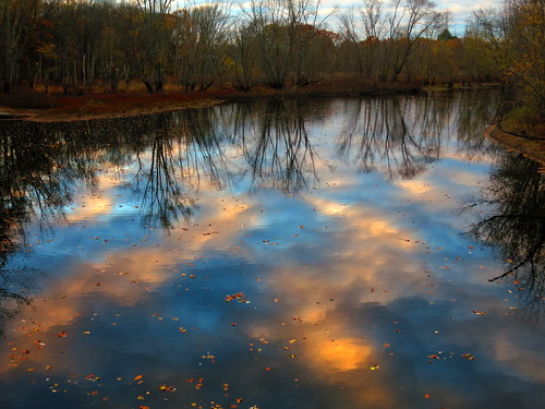 autumn sunset sky cloud reflection tree water massachusetts newengland smörgåsbord concordriver oldnorthbridge