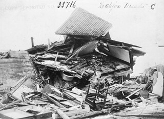 The disaster of the Halifax Explosion / Le désastre d'Halifax – l'explosion