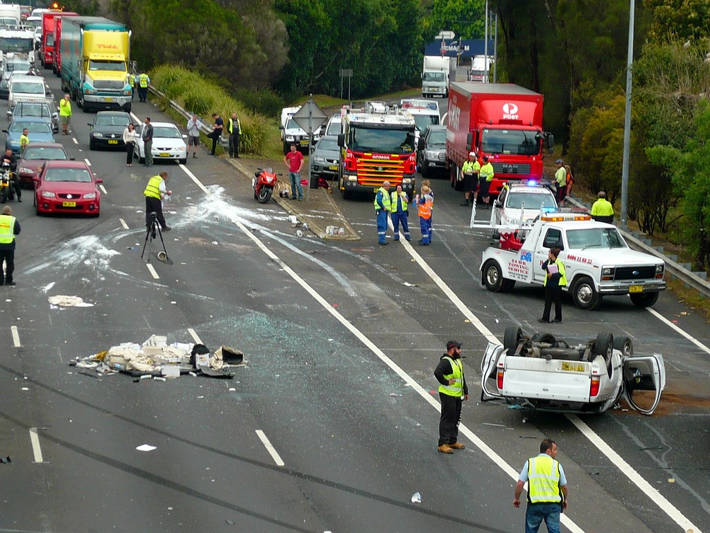 Multi vehicle accident - M4 Motorway, Sydney, NSW | Multi ve… | Flickr