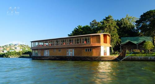 lake restaurant boat sri lanka float gregory boathouse eliya nuwara