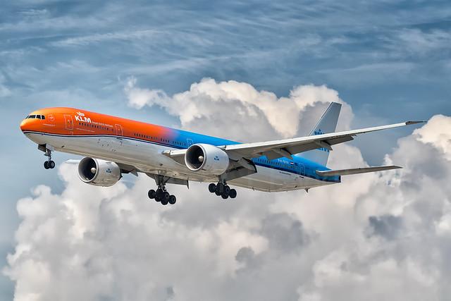 KLM Boeing 777-300ER PH-BVA [YYZ]