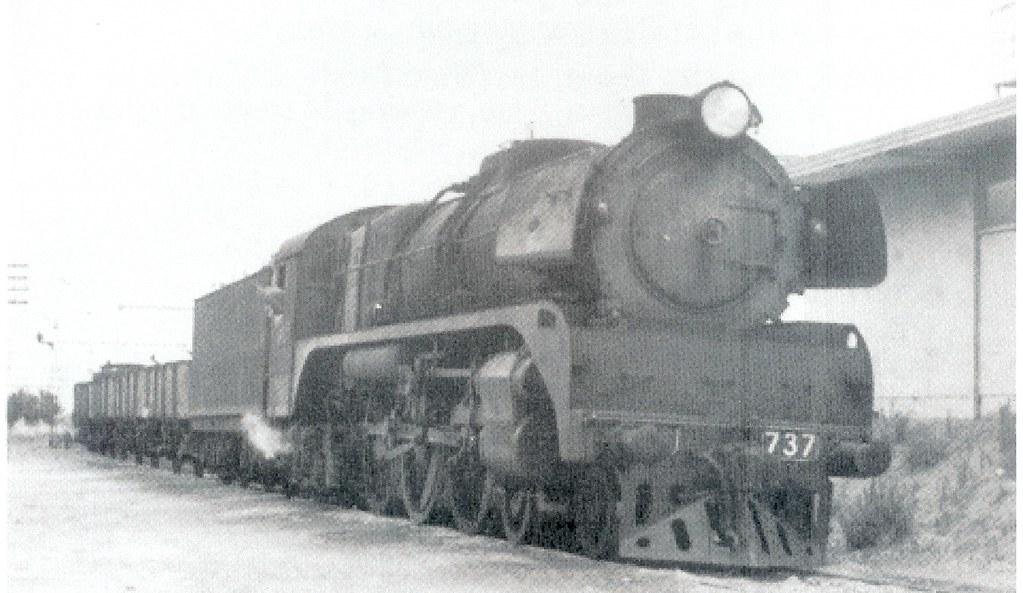 R737 shunting at Reservoir 1962 by Robert Aquilina
