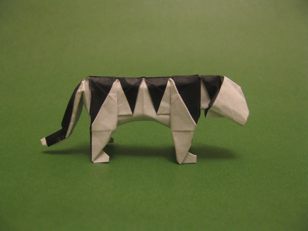 Origami Tiger by Oriol Esteve Folded from a square of duo origami ... | 768x1024
