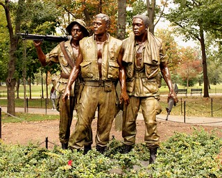 Vietnam War Memorial : Three Servicemen | by Prayitno / Thank you for (12 millions +) view